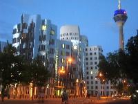 Düsseldorf Skyline - Sedan Service