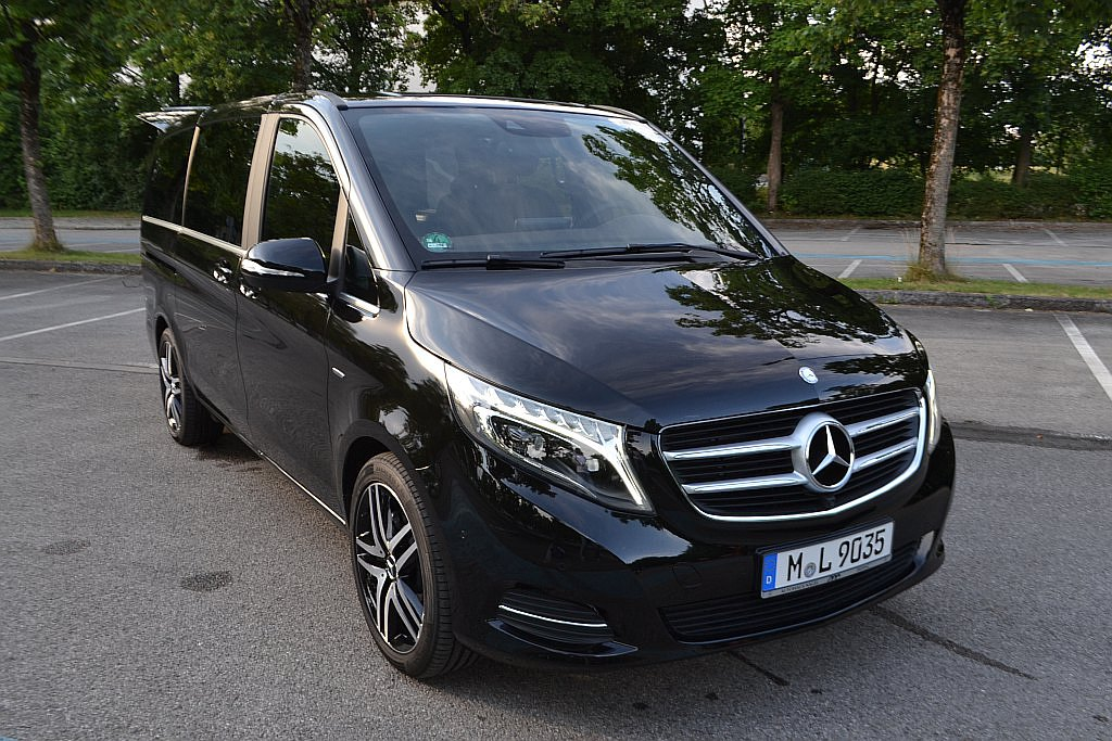 Image gallery mercedes benz 6 seater for 7 seater mercedes benz